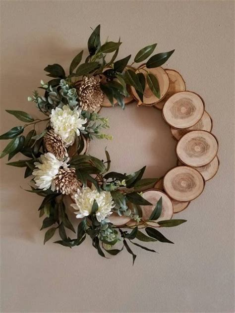 How To Make A Rustic Wood Slice Wreath